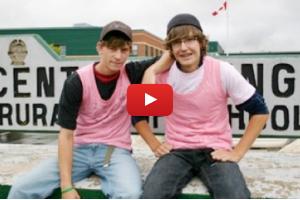ピンクシャツデー運動をつくった学生ふたり